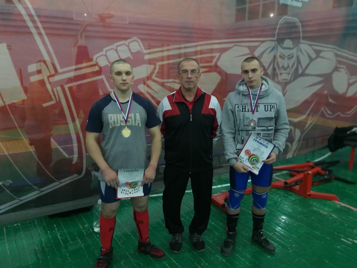со своим тренером - Федотовым С.Н.