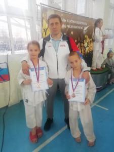 Михаил Михайлович со своими спортсменами