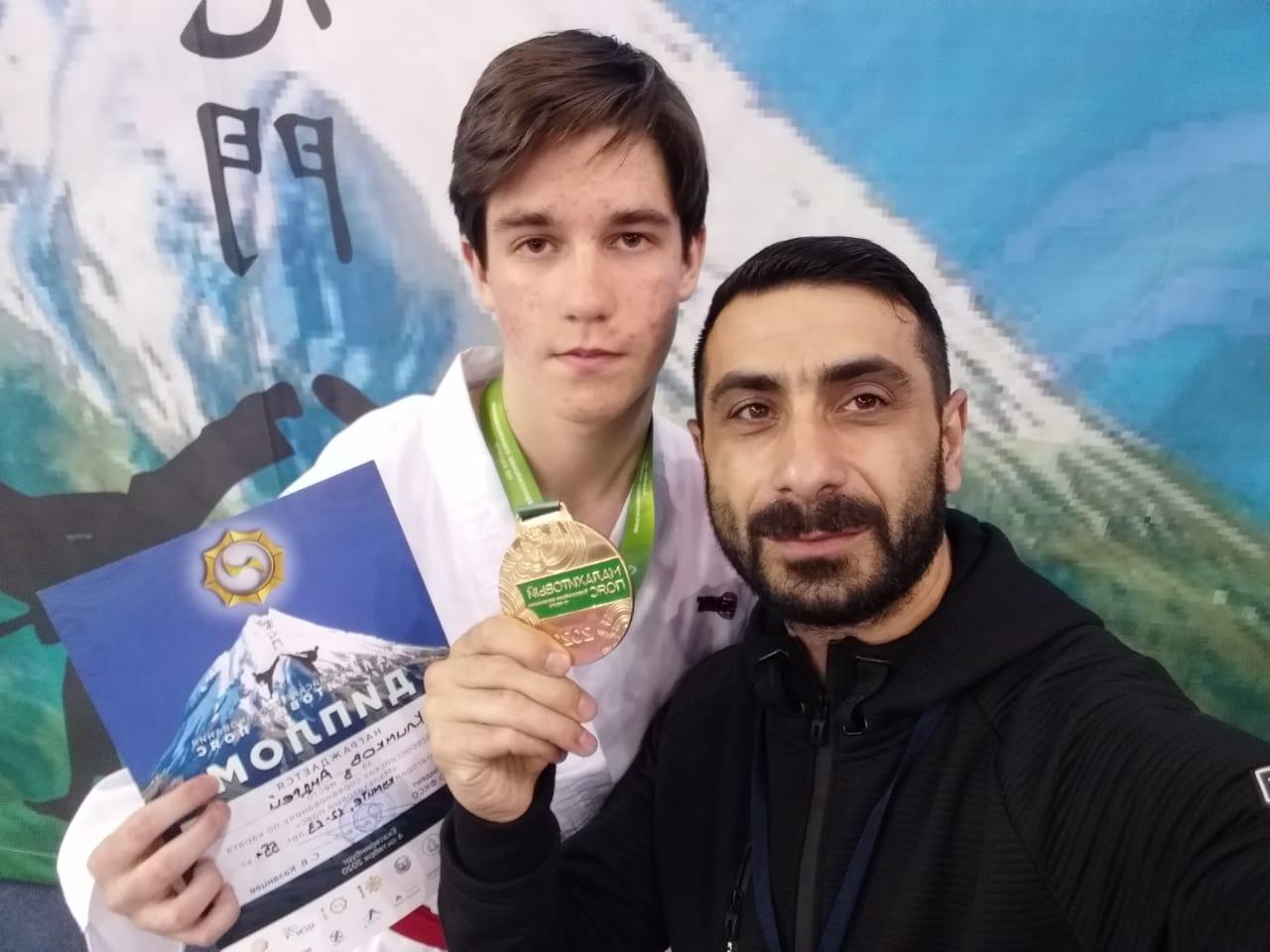 Курепин Платон с тренером Эдуардом Грачяевичем Айрапетяном